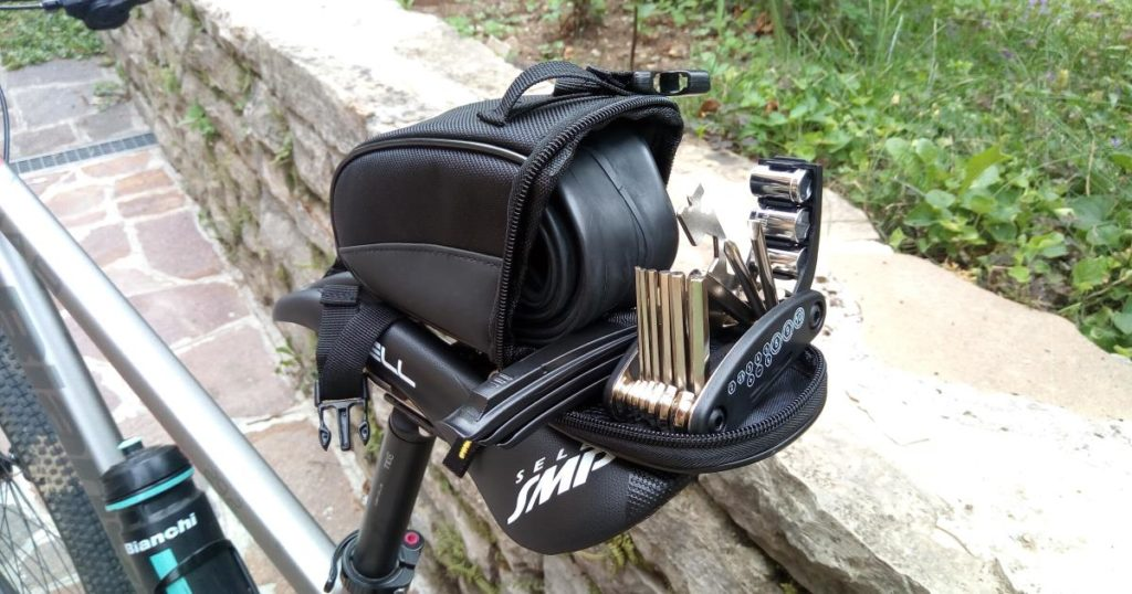 kit riparazione bicicletta emergenza